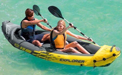 pareja navegando en kayak inflable intex k2 explorer